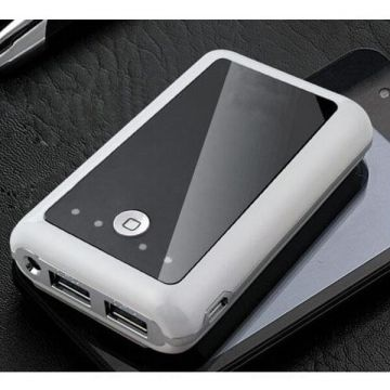 NEW 2013 External Battery Power bank 8400 MAH for iPod, iPhone and iPad