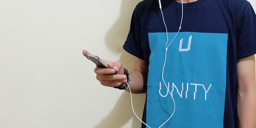 Ecouter de la musique avec des ecouteurs