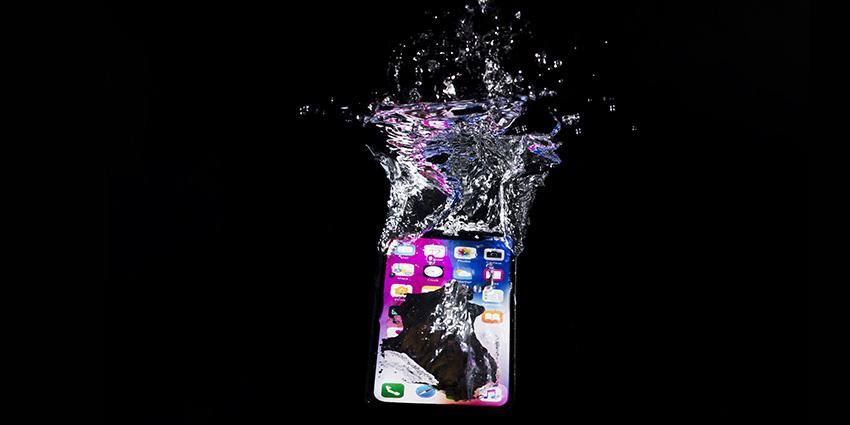 iPhone tombé dans l'eau, quoi faire ?