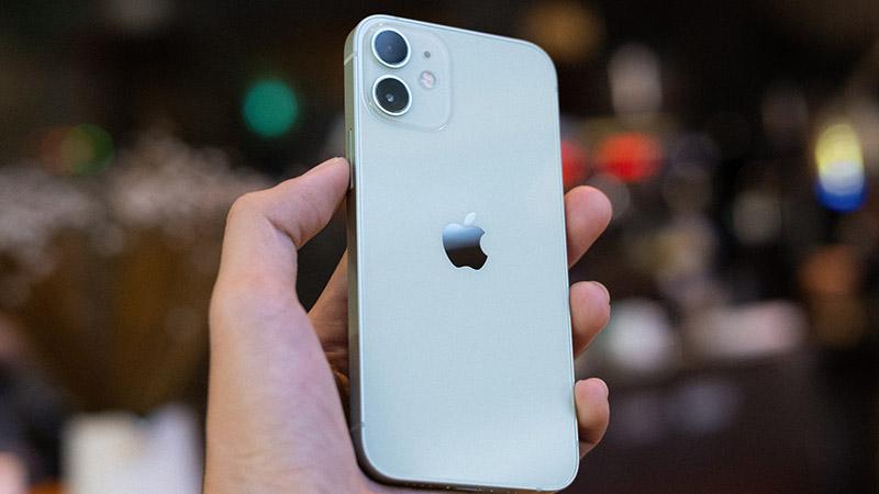 iPhone 12 Mini, le mal aimé de la famille ?